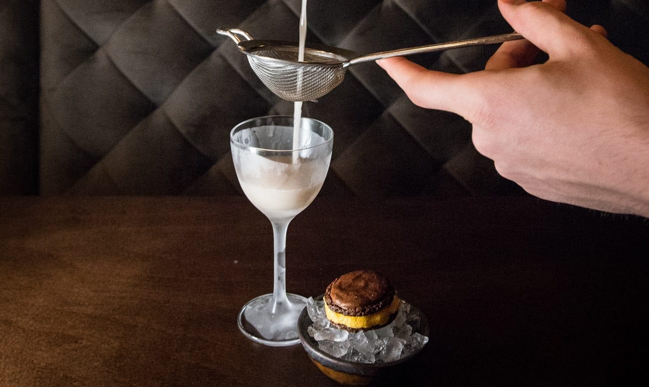 Walnuss Cocktail Ruben Neideck | Credit: Sarah Swantje Fischer