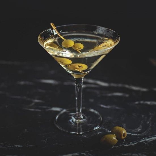 Dry Martini Cocktail |Klassische Cocktails | Mixology Magazin für Barkultur
